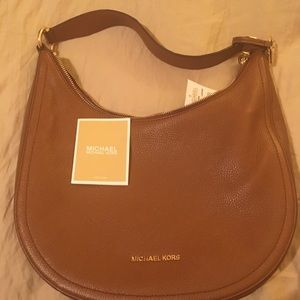 Michael Kors handbag never used with tags